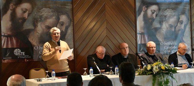 """""""O homem: caminho de Cristo e da Igreja"""": Conclusões das Jornadas de Actualização do Clero do Sul"""