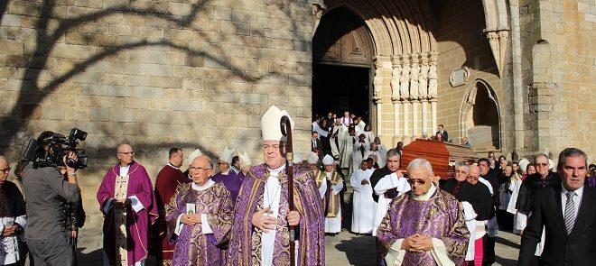 Missa Exequial: Arquidiocese de Évora despede-se de D. Maurílio de Gouveia