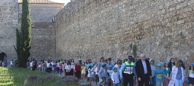 Catequeses do Concelho de Évora: Arcebispo de Évora caminha com mães e filhos