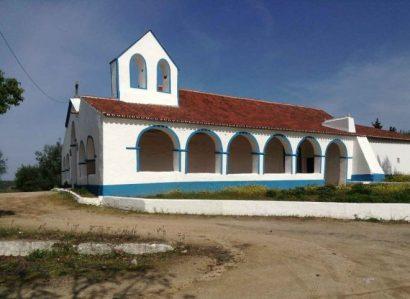 18 de Agosto: Peregrinação de Nossa Senhora d'Entre Águas e bênção da  obra de conservação da Capela