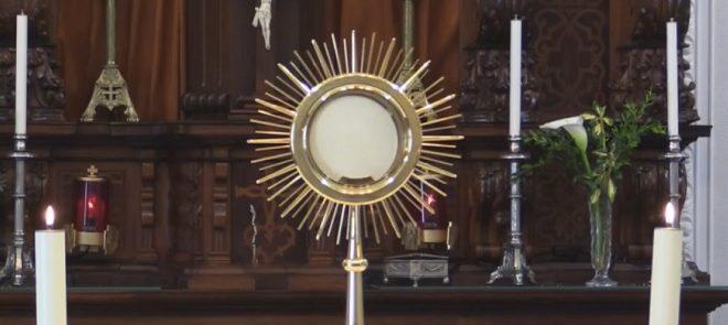 Adoração e Bênção do Santíssimo, com Oração de Vésperas, presidida pelo Arcebispo de Évora