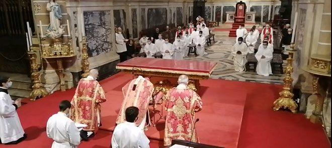Sexta-feira Santa, às 15h00: Celebração da Paixão do Senhor, na Catedral de Évora (Com Homilia)